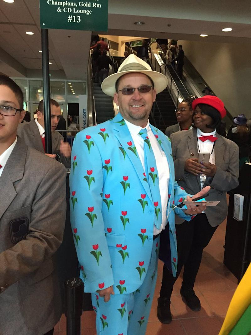 Basically every guy at the Kentucky Derby wore this flashy suit, and ...