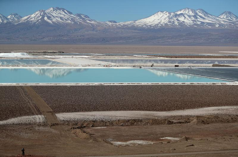 FILE PHOTO: Water fight raises questions over Chile lithium mining