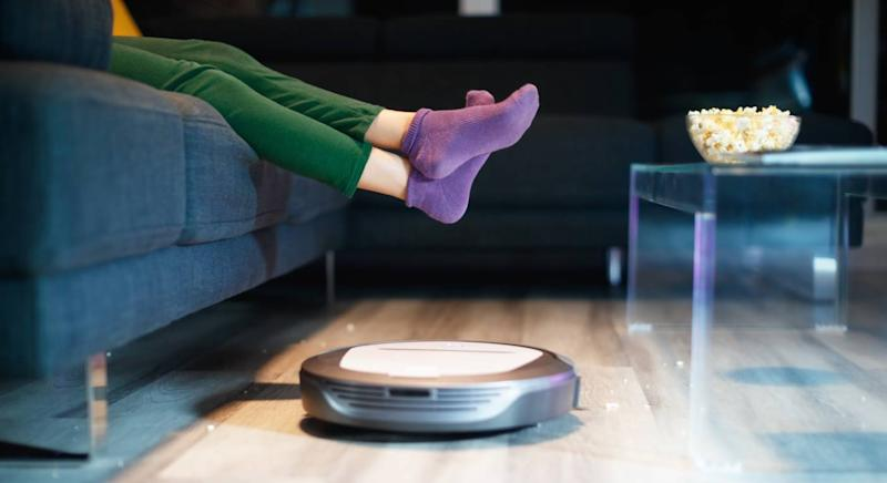 This nifty robot vacuum cleaner takes the stress out of cleaning (Getty Images)