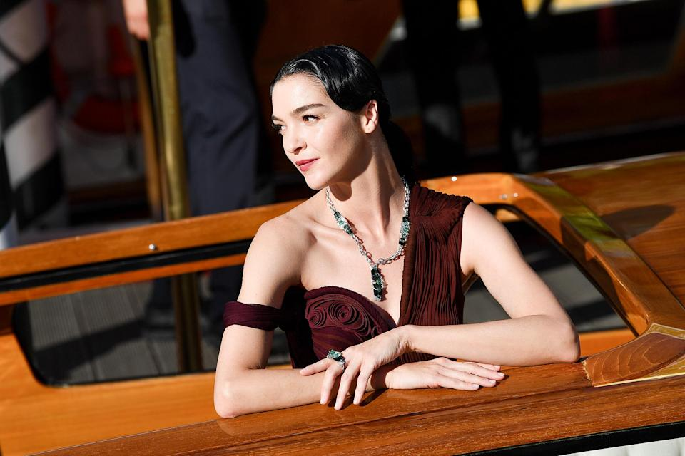 <p>Italian model/actress Mariacarla Boscono looked Old Hollywood glam while arriving on Sept. 1. </p>