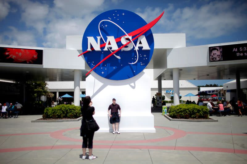 White House calls for biggest NASA budget in decades to reach the moon, Mars