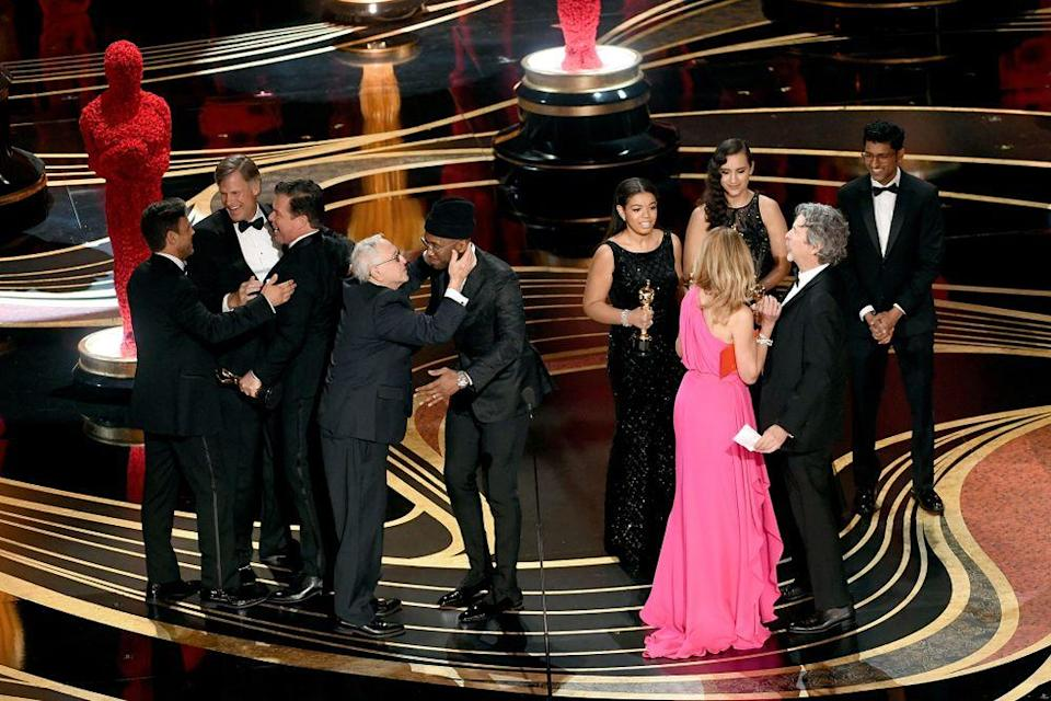 Cast of Green Book accepting Oscar for Best Picture