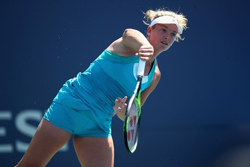 Kvitova breezes past Bondarenko at Stanford