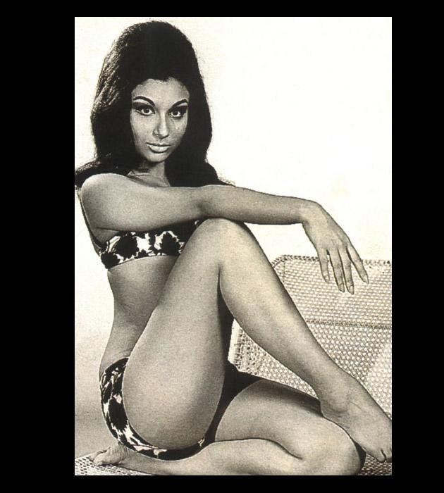 Sharmila Tagore was smoking hot in this two peice she donned in the 1967 flick 'An Evening in Paris'