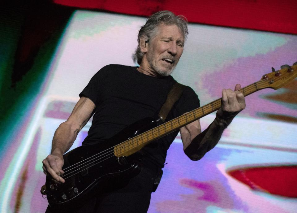 British musician Roger Waters performs on stage during a concert in San Jose on November 24, 2018. - Waters is one of the co-founders and principal songwriters of the rock band Pink Floyd. (Photo by Ezequiel BECERRA / AFP)        (Photo credit should read EZEQUIEL BECERRA/AFP via Getty Images)
