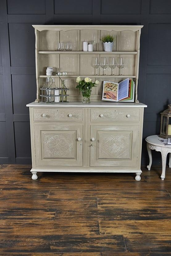 <p>Nothing makes a home quite so cosy or comforting as a few family heirlooms. Anything with a little history or personal resonance will make for such a personal and happy home, from a few kitchen utensils that your mum used to use, all the way up to large pieces of antique furniture!</p>  Credits: homify / The Treasure Trove Shabby Chic & Vintage Furniture