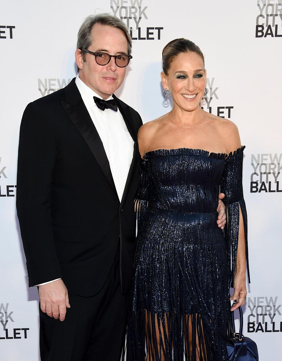 Actors Sarah Jessica Parker and husband Matthew Broderick arrive at the New York City Ballet's Fall Fashion Gala at the David H. Koch Theater on Thursday, Sept. 28, 2017, in New York. (Photo by Evan Agostini/Invision/AP)