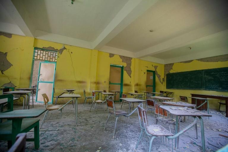 Desks at a school in the town of Camp-Perrin that was damaged in the quake, as seen on August 24, 2021 (AFP/Richard Pierrin)