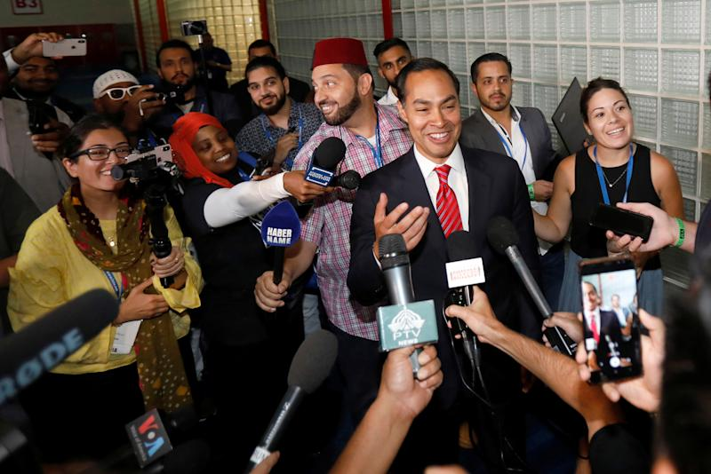 Julian Castro interviewed by the media at the Islamic Society of North America's Convention in Houston, Texas, U.S. August 31, 2019. (Photo: Daniel Kramer/Reuters)
