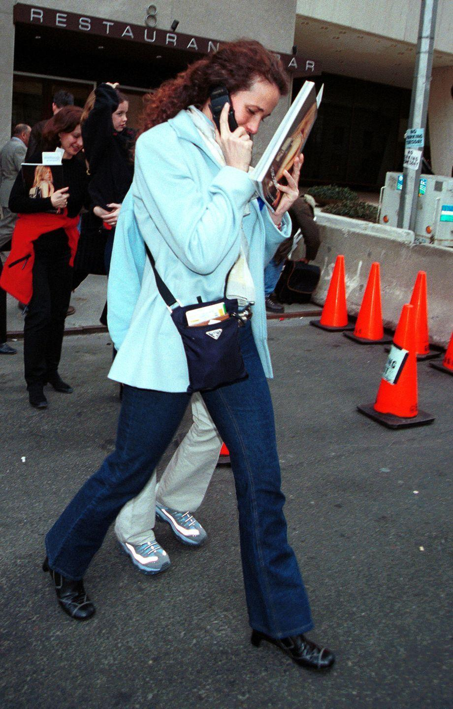 <p>I would like you congratulate you for getting through 18 photos of celebrities with old cell phones and I promise you there's a good one if you keep going.</p>