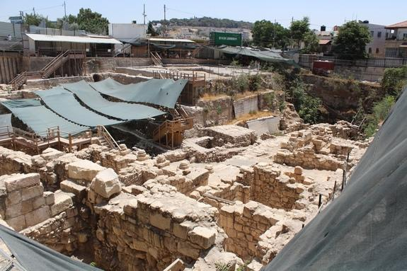 The Givati Parking Lot is the site of an immense excavation that has resulted in finds from the Middle Age to ancient times. Dating to the third to fourth centuries A.D., the Roman mansion, where the curse tablet was excavated, was only one of