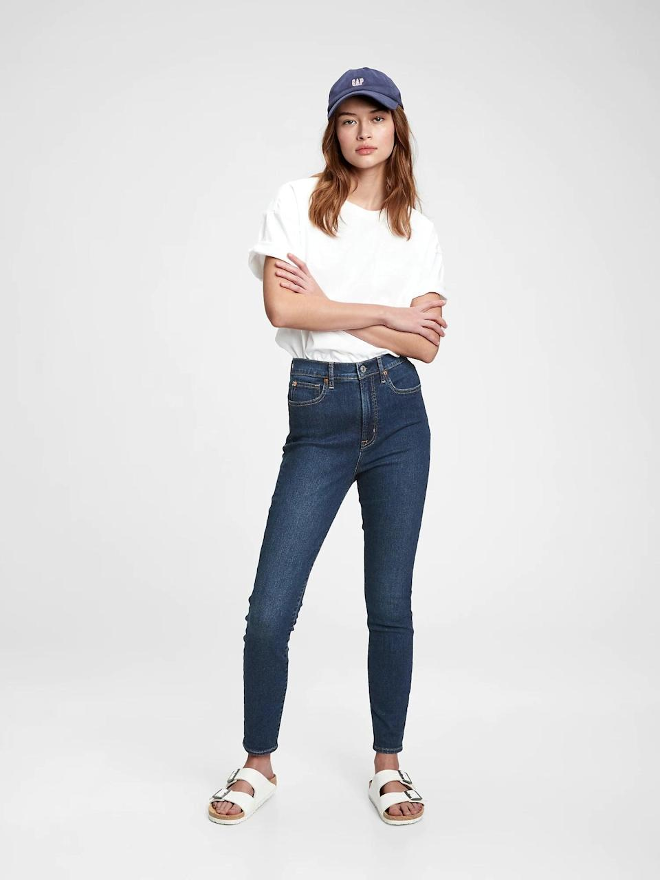 <p>Skinny jean lovers, these <span>Gap Sky High Rise True Skinny Jeans with Secret Smoothing Pockets</span> ($55, originally $80) are ideal.</p>