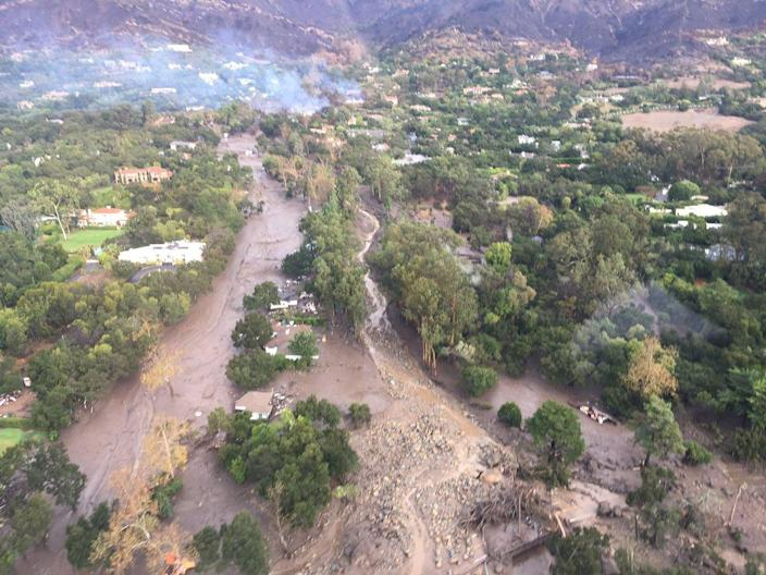 <p>An aerial view from a Ventura County Sheriff helicopter shows a site damaged by mudslide in Montecito, Calif., Jan. 9, 2018. (Photo: Ventura County Sheriff's Office/via Reuters) </p>