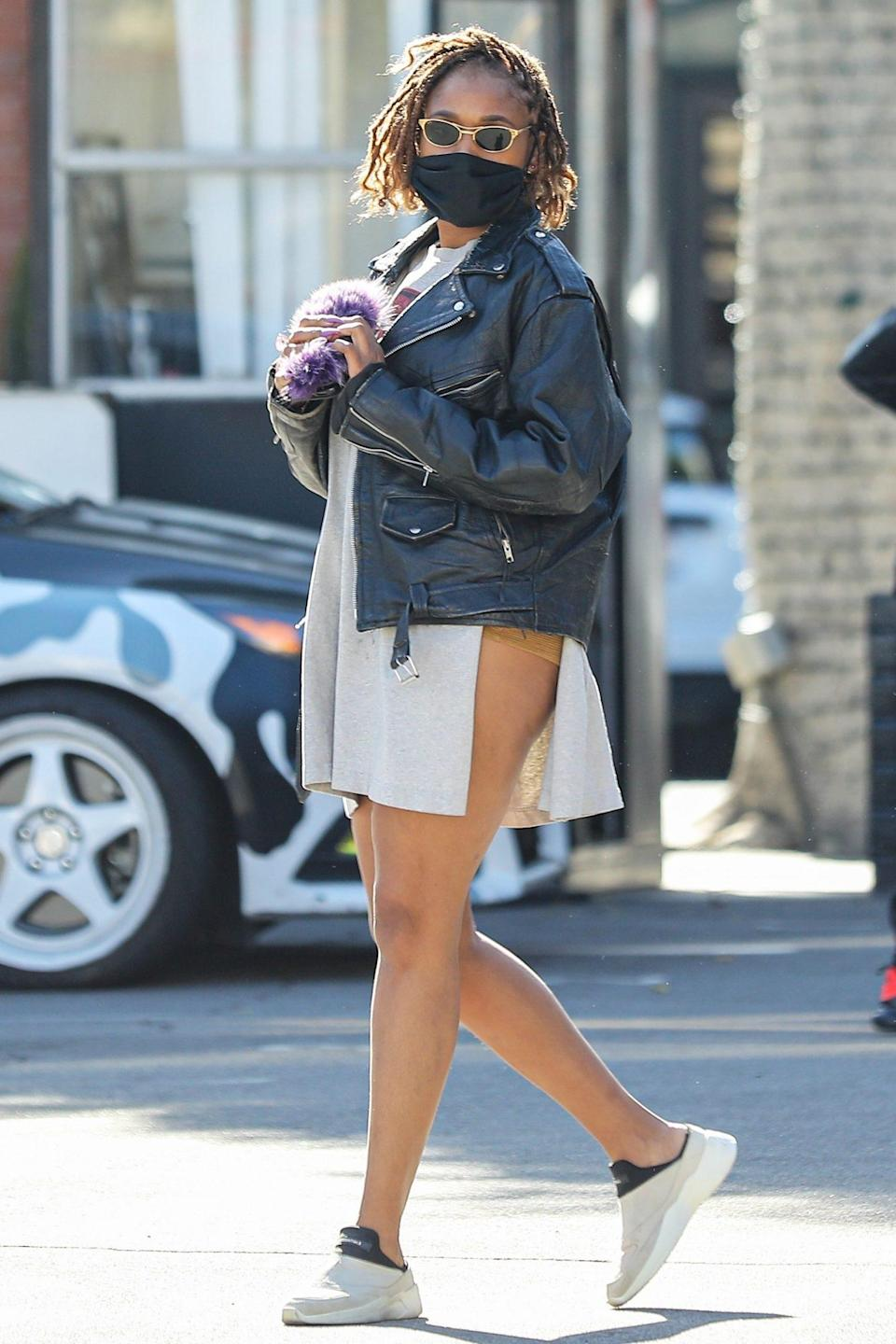 <p>Jennifer Hudson shows off her street style while shopping for a ring on Monday in Beverly Hills. </p>