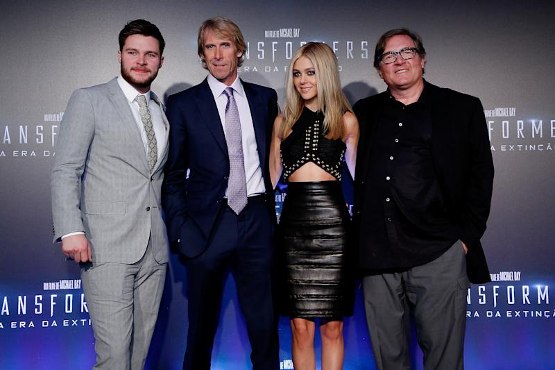 "RIO DE JANEIRO, BRAZIL - JULY 16: (L-R) Jack Reynor, Michael Bay, Nicola Peltz and Lorenzo di Bonaventura attend the premiere of Paramount Pictures ""Transformers: Age of Extinction"" at Cinepolis Lagoon on July 16, 2014 in Rio de Janeiro, Brazil. (Photo by Roberto Filho/Getty Images for Paramount Pictures International)"