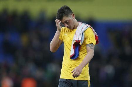 Britain Football Soccer - Crystal Palace v Arsenal - Premier League - Selhurst Park - 10/4/17 Arsenal's Mesut Ozil looks dejected after the match Action Images via Reuters / Matthew Childs Livepic