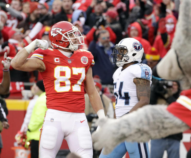 Kansas City Chiefs tight end Travis Kelce (87) celebrates his 13-yard touchdown catch against the Tennessee Titans. (AP)