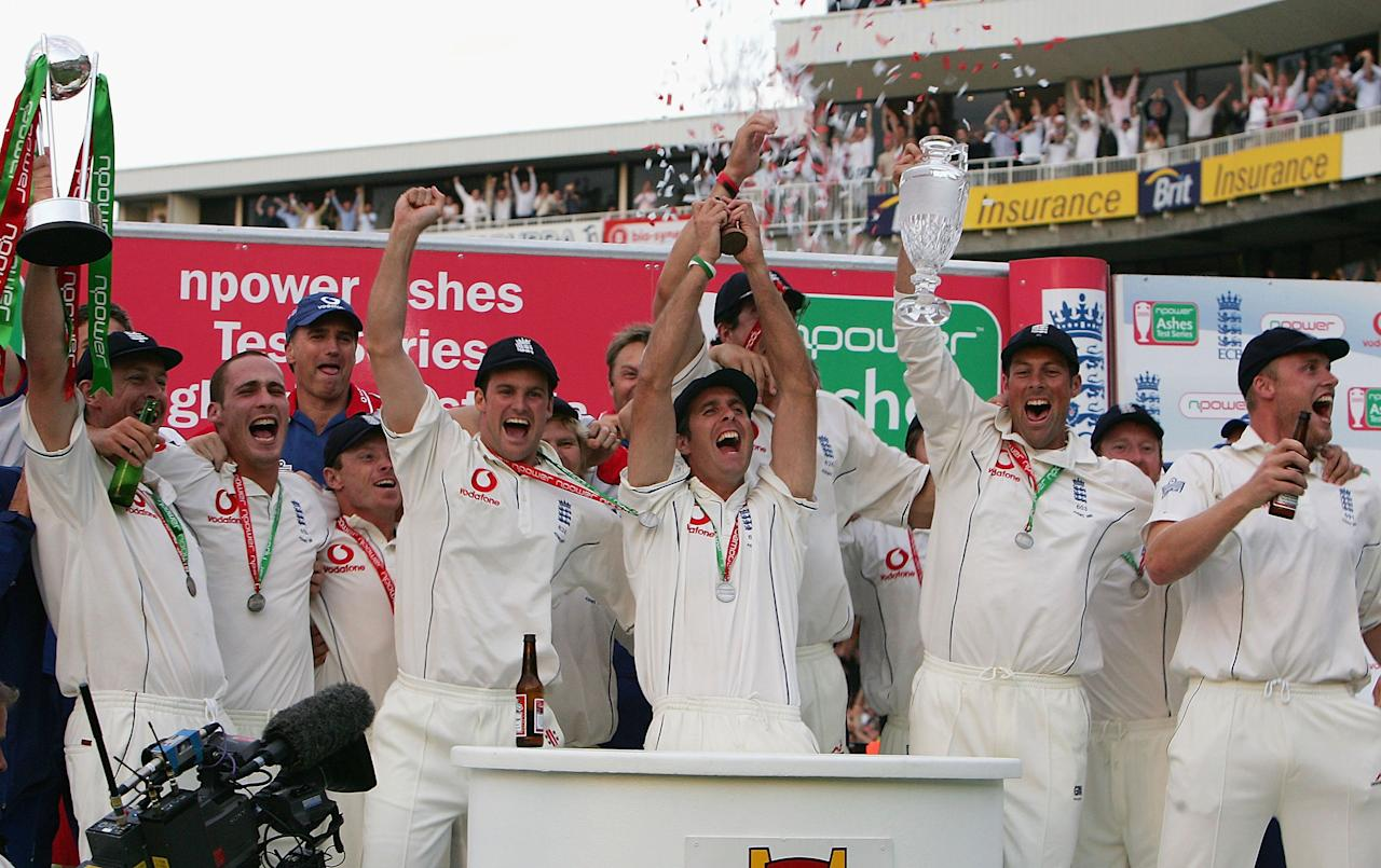 LONDON - SEPTEMBER 12:  The England team celebrate during the presentations as they regain the Ashes during day five of the Fifth npower Ashes Test between England and Australia played at The Brit Oval on September 12, 2005 in London, United Kingdom  (Photo by Hamish Blair/Getty Images)