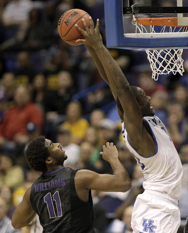 No. 8 seed Kentucky holds off Kansas State, 56-49