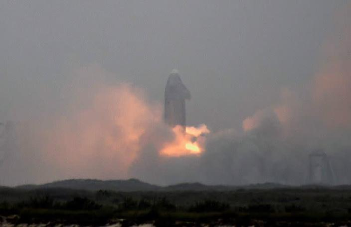 SpaceX conducts test launch of SN15 starship prototype from Boca Chica, Texas