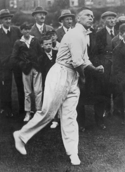 circa 1910:  Australian bowler Arthur Mailey (1886 - 1967).  (Photo by Hulton Archive/Getty Images)