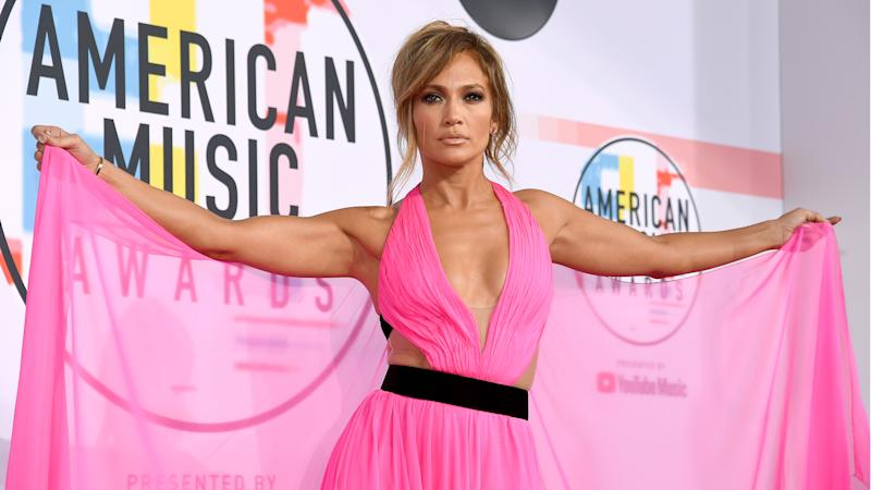 Jennifer Lopez in bikini inspires a challenge on Instagram