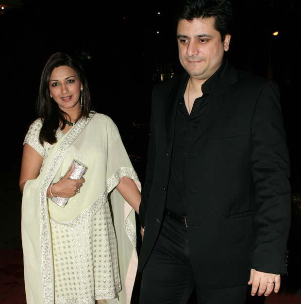 """""""There are enough people to mollycoddle Ranvir, so mostly I end up playing the disciplinarian.' - Sonali Bendre"""