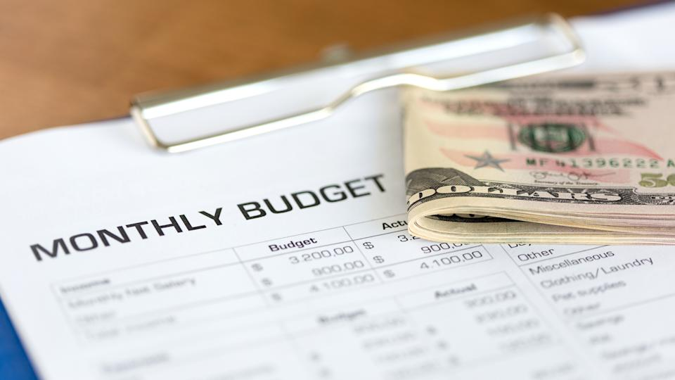 Monthly Budget Plan for Expenses and Money.