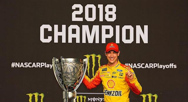 2018: What a year! It feels like just yesterday —Austin Dillon won the Daytona 500 and dabbed on them hatersThe Big 3 became a thingMartin Truex Jr. was named 2017 championol Richard Petty replaced his driving helmet with a bedazzled cowboy hatRyan Blaney moved to Team PenskeChase Elliott changed his car numberFord was racing the …