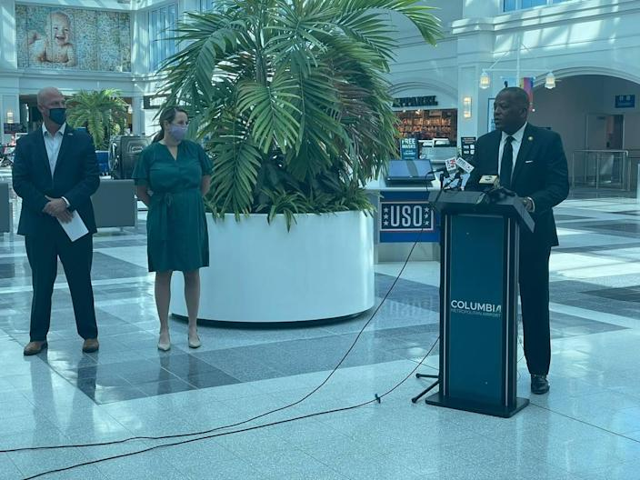 Columbia Mayor Steve Benjamin speaks at Columbia Metropolitan Airport about a new incentive to get COVID-19 vaccinations.
