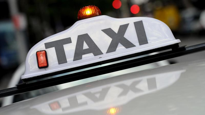 Taxi drivers plan to block Tullamarine freeway in protest at plans to deregulate the industry.