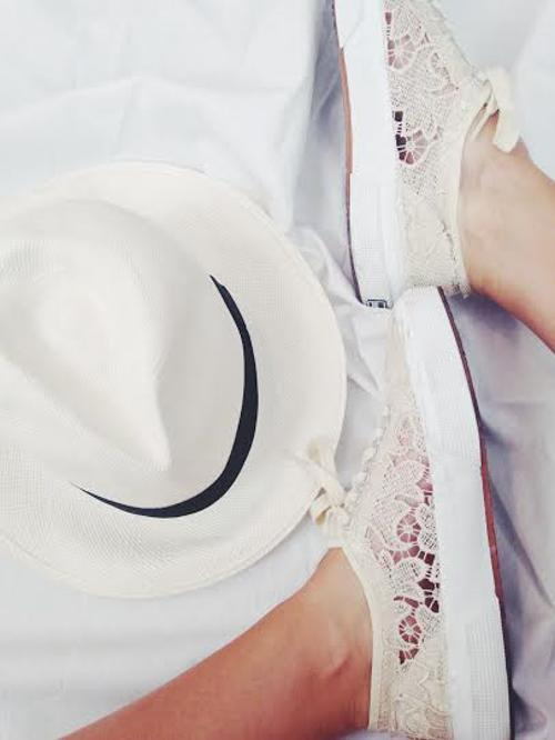 white lace sneakers panama hat