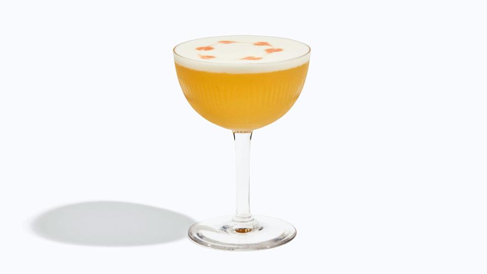 """<h1 class=""""title"""">Basically-Cocktails-Whiskey-Sour.jpg</h1> <cite class=""""credit"""">Photo by Chelsie Craig</cite>"""