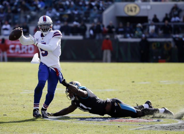 Tyrod Taylor is heading from Buffalo to Cleveland. (AP Photo/Stephen B. Morton)