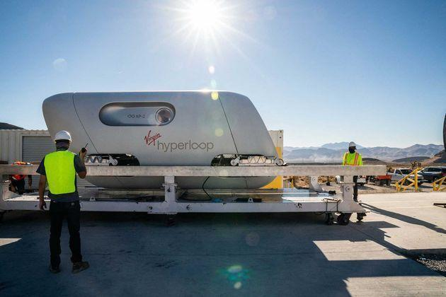 <p>Le train futuriste Virgin Hyperloop.</p>