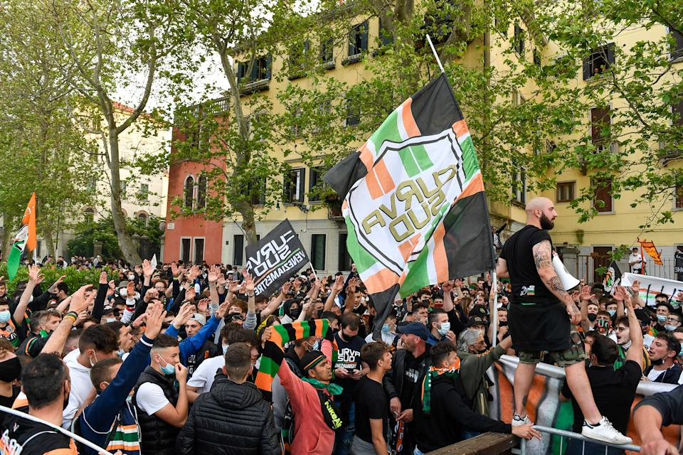 VENICE, ITALY - MAY 27: Fans of Venezia FC show their support prior to the Serie B Playoffs Final match between Venezia FC and AS Cittadella at Stadio Pier Luigi Penzo on May 27, 2021 in Venice, Italy. (Photo by Nicolo Zangirolami/Getty Images)