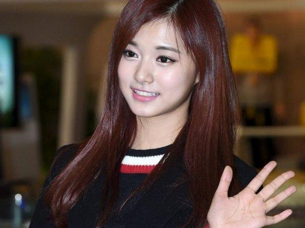 1 Apr - Taiwanese K-pop star Chou Tzuyu was revealed to have passed her  scholastic aptitude test.