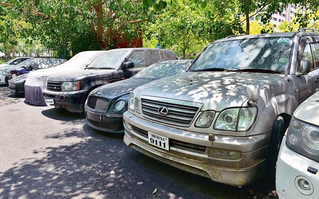 <p>In hopes to make more revenue, and keeping public hygiene, traffic movement issues in mind, BMC has decided to seize and auction off abandoned vehicles.</p><p> </p>