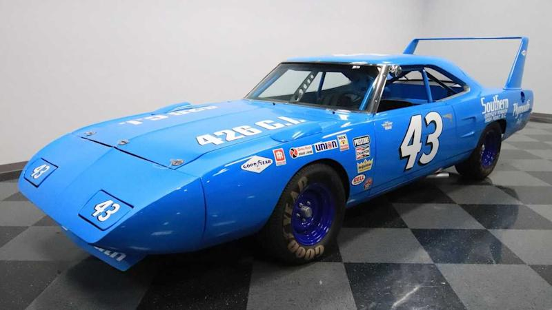 1970 Plymouth Superbird Richard Petty Replica