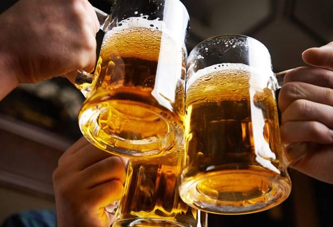 Karnataka Budget 2017: Alcohol, movie ticket prices to go down