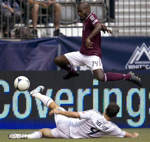 Smith's late goal gives Rapids tie with Whitecaps