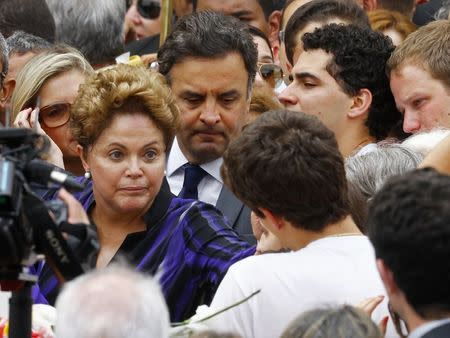 Brazil's President Rousseff and presidential candidate Neves attend the wake for Eduardo Campos in Recife