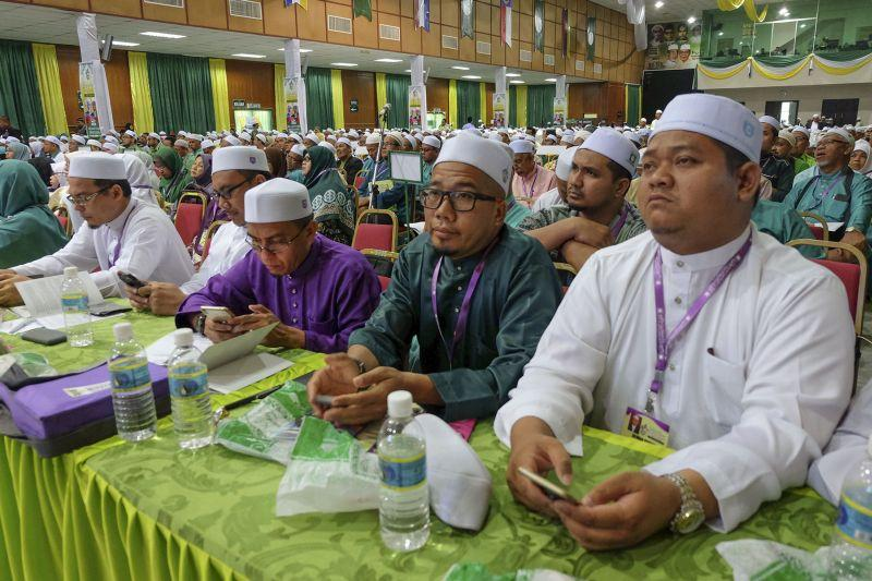 PAS reps vote to end ties with PKR