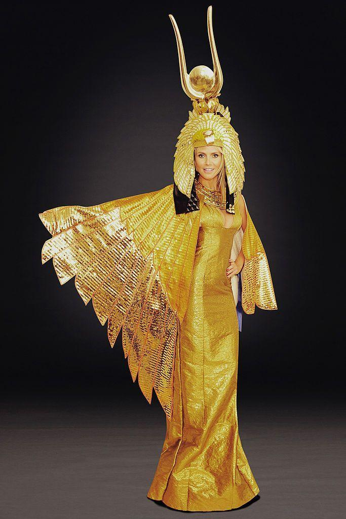 <p>Heidi stunned at her 2012 party in this golden getup fit for the Queen of the Nile.</p>