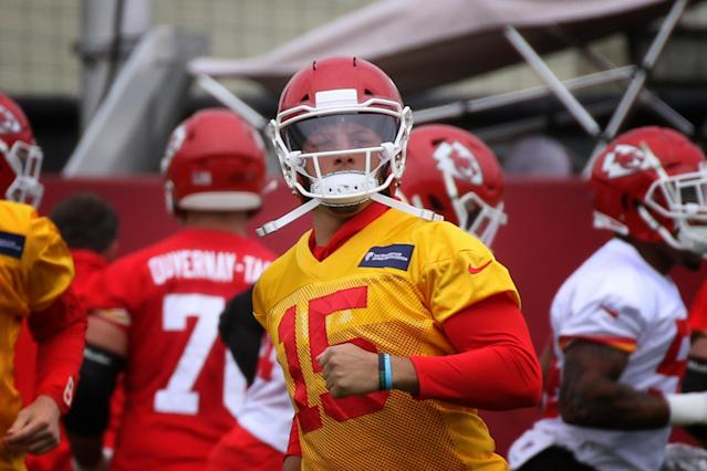 "<a class=""link rapid-noclick-resp"" href=""/nfl/players/30123/"" data-ylk=""slk:Patrick Mahomes"">Patrick Mahomes</a> during OTA's on May 23, 2019 at the Chiefs Training Facility in Kansas City, MO. (Getty Images)"