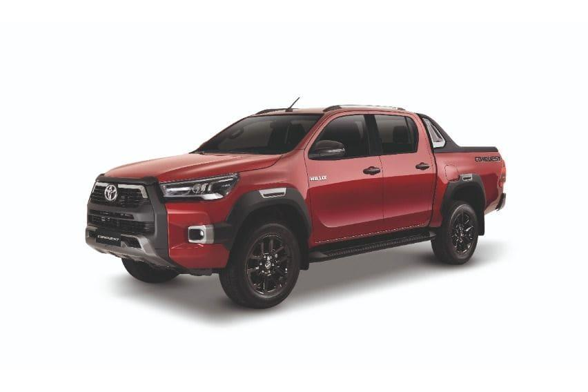2020 Hilux Conquest emotional red
