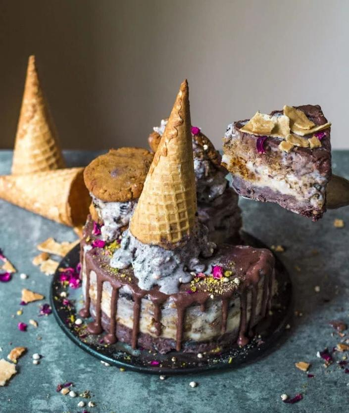 "<a href=""https://rainbownourishments.com/ultimate-chocolate-vegan-ice-cream-cake/"" rel=""nofollow noopener"" target=""_blank"" data-ylk=""slk:Ultimate Chocolate Vegan Ice Cream Cake from Rainbow Nourishments"" class=""link rapid-noclick-resp""><strong>Ultimate Chocolate Vegan Ice Cream Cake from Rainbow Nourishments</strong></a>"