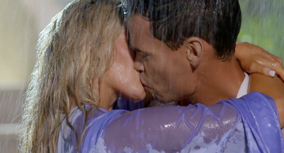 Jimmy and Lily's passionate Bachelor kiss