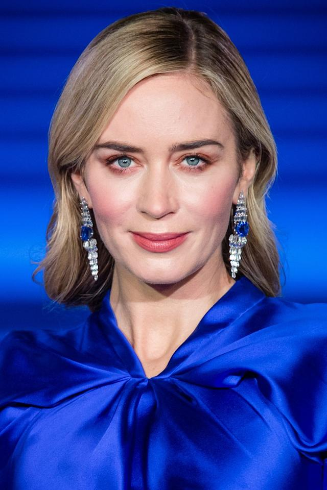 "<p>With a subtle nod to the Banks' home on Cherry Tree Lane, the make-up artist Jenn Streicher created a rosy pink look for Emily Blunt at the Mary Poppins Returns premiere. The hero product was Chantecaille's <a rel=""nofollow"" href=""https://www.net-a-porter.com/gb/en/product/1131045?"">Lip Veil in Honeypot </a>but the secret was that it was applied on both the lips and eyes. ""This was the key trick to creating the monochromatic look"", explained Streicher. ""I wanted the eyes and the lips to be the same shade with just a wash of color on both."" For extra intensity, Chantecaille's <a rel=""nofollow"" href=""https://www.spacenk.com/uk/en_GB/makeup/eyes/eyeshadow/mermaid-eye-color-UK200017197.html?"">Mermaid Eye Colour in Starfish</a> was then blended over the eyelids and the <a rel=""nofollow"" href=""https://www.net-a-porter.com/gb/en/product/1139300?"">Cheek Gelée in Happy</a> was used for a finishing flush of pink on the cheeks.<br></p>"