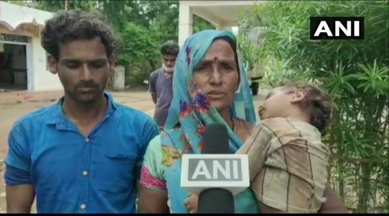 Dalit Suicide Case in Guna: Mother of Victim Says Madhya Pradesh Police Assaulted Her Son, Ignored When He Drank Poison